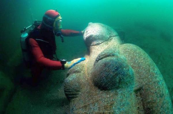 klp4a-underwater-statues4.jpg