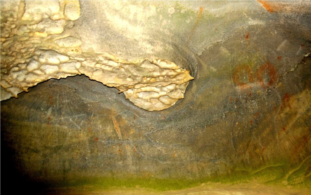 Cave-of-the-Golden-Boomerang-photo-11-1024x644.jpg