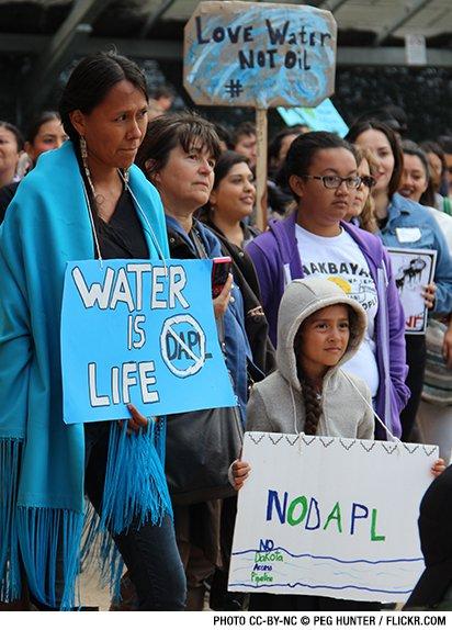 web_1509_830px_wysiwyg-bakken-dakota-access-pipeline-protest.jpg