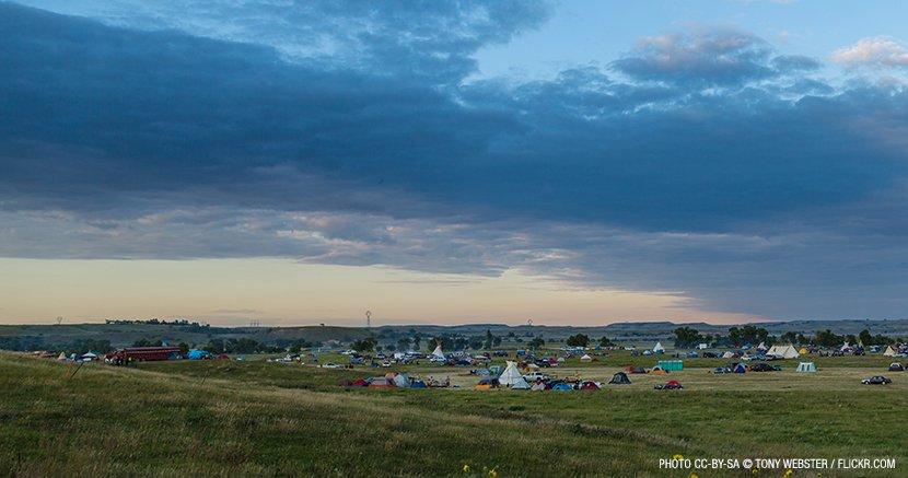 web_830px-media-sacred-stone-bakken-dakota-pipeline-protest-camp.jpg