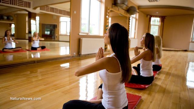 Yoga-Mats-Studio-Pose-Meditation-Woman-Group-Fitness