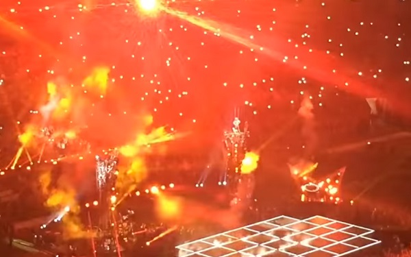Superbowl-2017-Lady-Gaga-Hell-stage