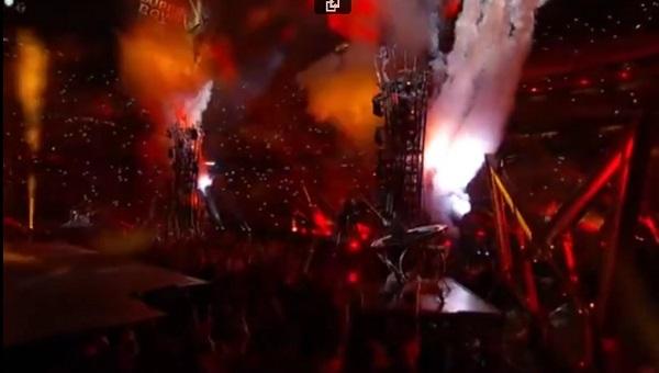 Superbowl-2017-Lady-Gaga-owl-horns