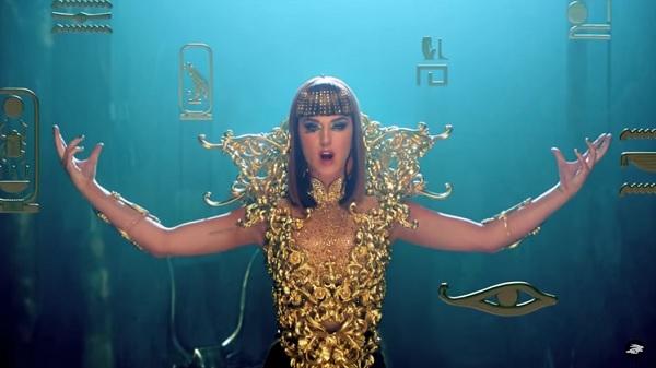 Superbowl-Katy-Perry-Illuminati