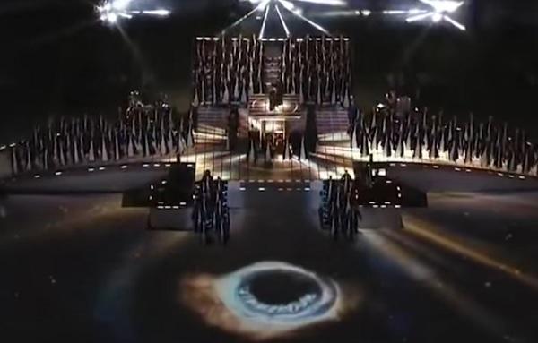 Superbowl-Madonna-Eye-of-Sauron-Illuminati