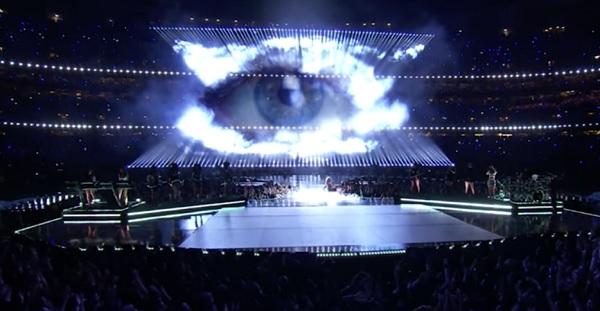 Superbowl-halftime-Beyonce-Eye-of-Sauron