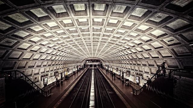 metro-698661_640